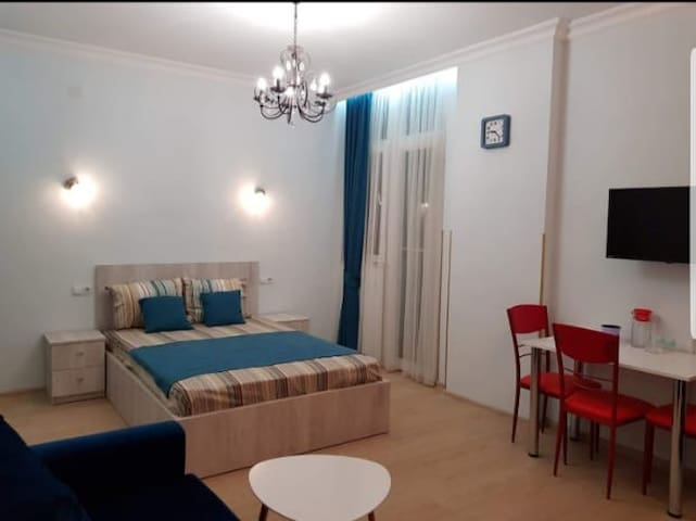 Lux Apartment 3 в махинджаури