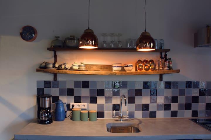 Boutique Appartement Franse sfeer met houtkachel - Sevenum - Apartemen