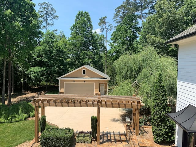 Private Guest House ,900 sq ft. on 3 acres