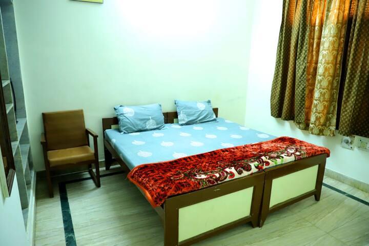 Deluxe Room AC in Shree Shree Radha Shyam Palace