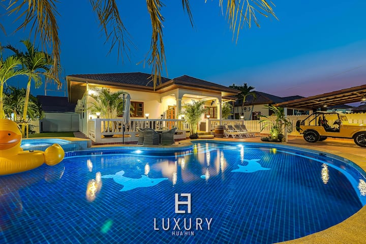 3 Bedroom Private Pool Villa In Great Location!