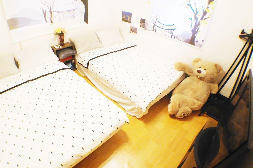 room 1:)