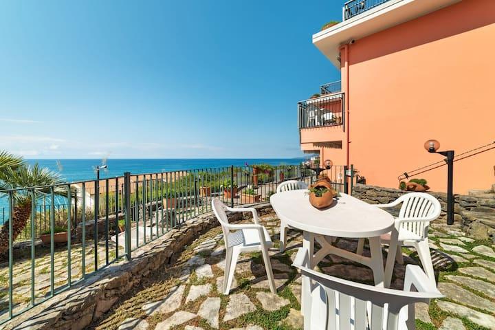 Appartement accueillant à Villammare avec petit jardin