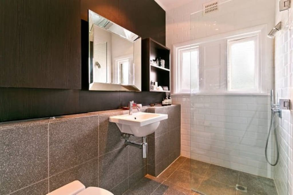 :: Bondi Beach Bespoke :: beautiful bathroom with original art deco and bespoke features ::