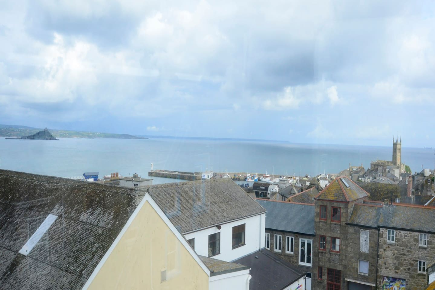 Belgravia Loft: your own panoramic view of Mounts Bay and St Michaels Mount
