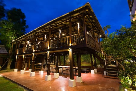 Rice Barn House with Pool & Breakfast - Su Thep - 独立屋