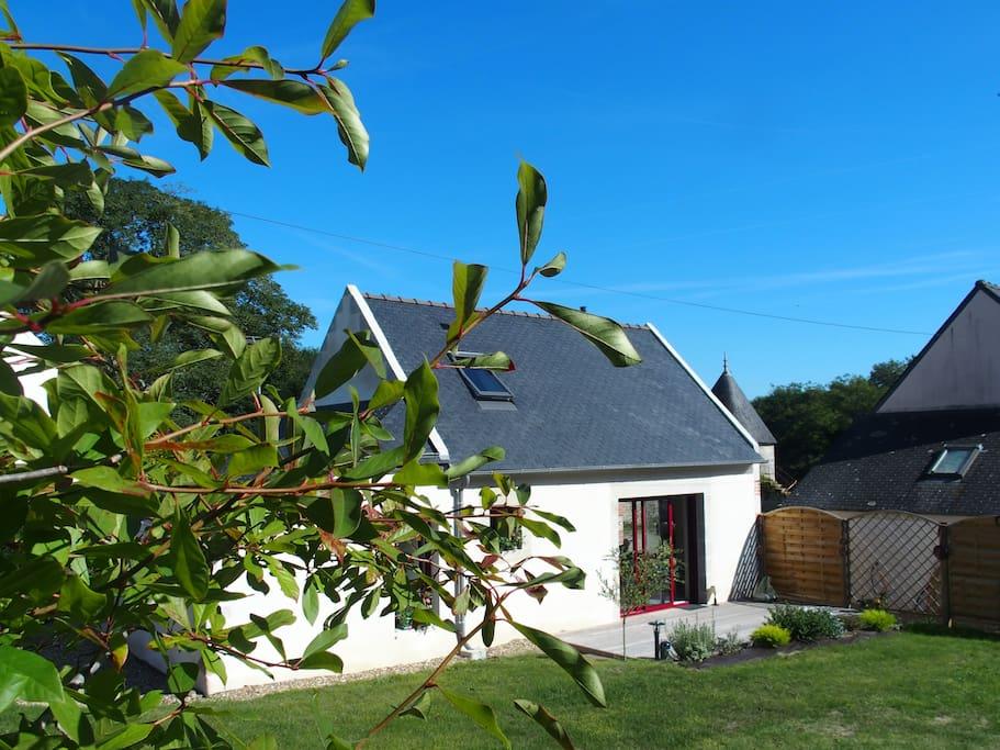 Côté jardin, terrasse privative, calme et détente