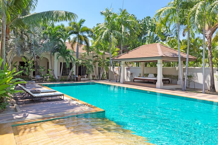 Heavenly Boutique Villa☀️Large Pool Garden Rawai