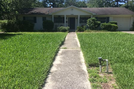 Historic Home Walking Distance to Downtown - Gainesville - Hus