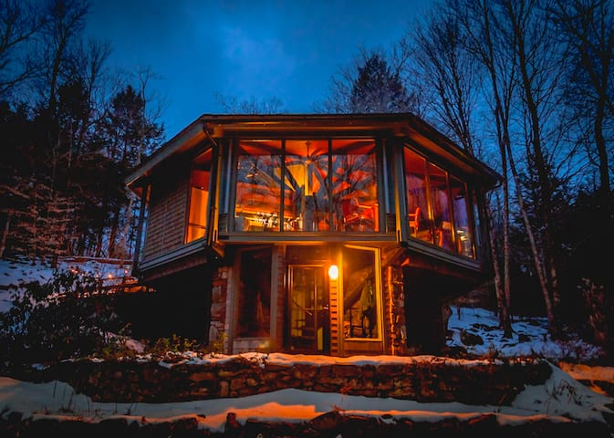 Octagonal Glass Treehouse in Berkshires