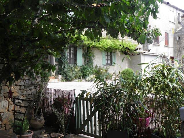 maison cocoon et son patio - Villeneuve-Minervois - Casa