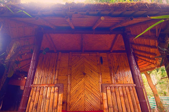 Cozy Bamboo Cottage at Koomankolly