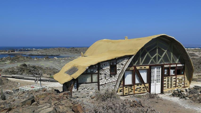 """""""La Sirenita"""" Casa Frente del Mar - El Higirlo - Rumah"""