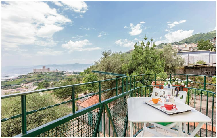 Holiday apartment with 2 bedrooms on 90 m² in Lettere -NA-