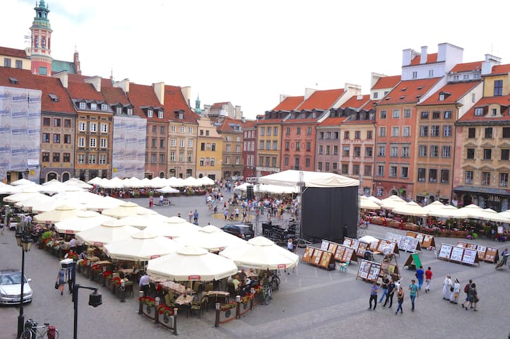 1BD Old Town Main Square View 4prs