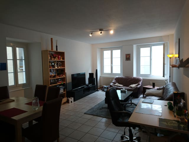 Appartement 2,5 pièces Centre-ville Yverdon - Yverdon-les-Bains - Wohnung