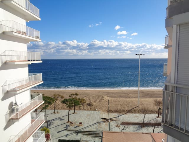 Apartment beach Platja d'Aro with view at see - Platja d'Aro - Huoneisto