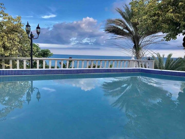 Villa Frente al mar en Playa Corona