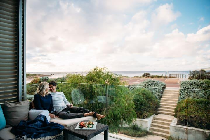 HSE4 · HSE4 · Luxury 4 Bedroom Beach House @ Smiths Beach Resort