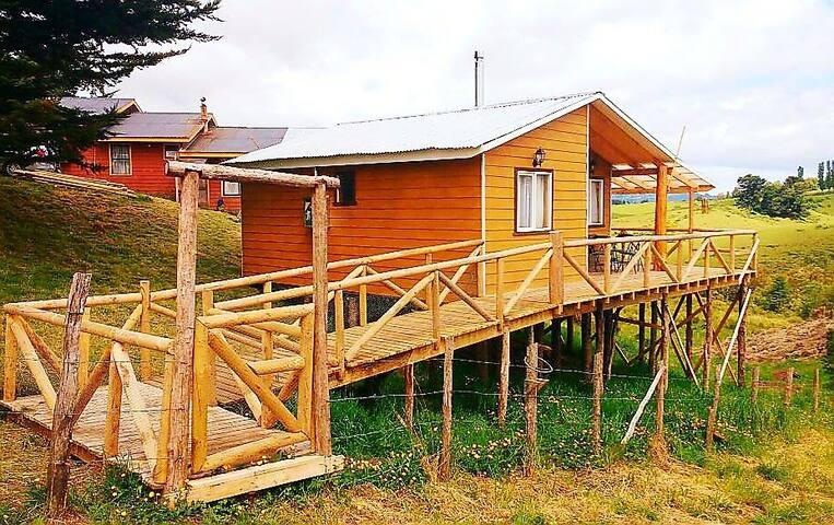 """Cabaña Palafito """"Gabriel"""" Llau Llao, Chiloé"""