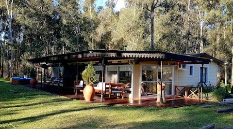 Hermosa Casa de campo en Chacras del Paraná!
