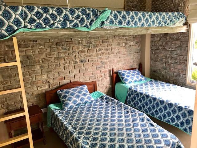Dorm 2 : 4 camas de 1.5 plazas