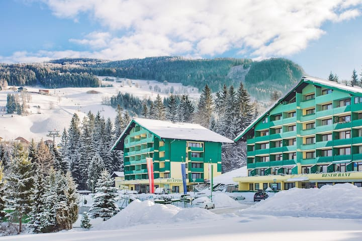 Lovely 1 Bedroom Apartment | Close to Pistes + On-Site Ski Storage