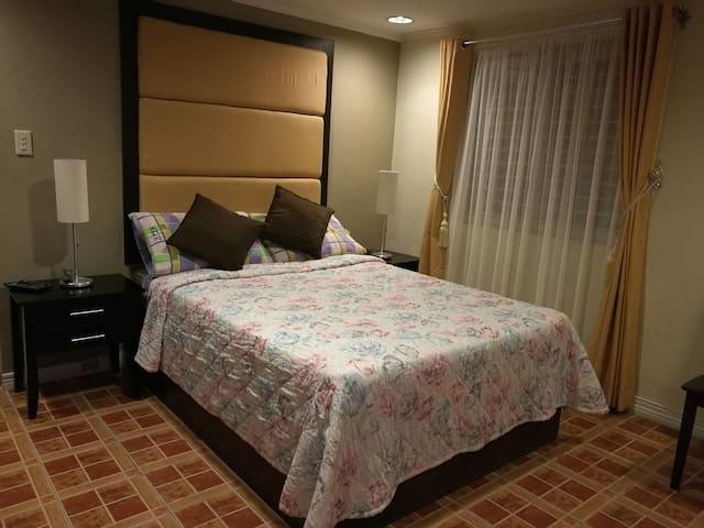 Villa Kalayaan 5 bedroom house
