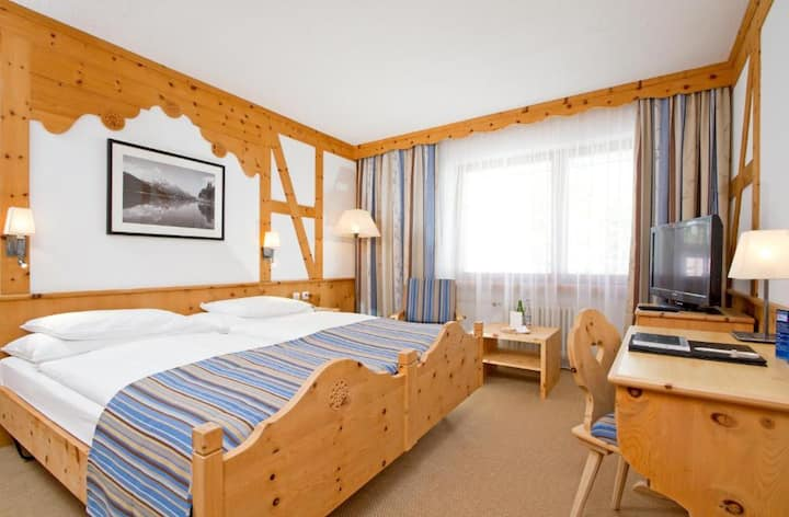 Decent Room Economy At Sils Maria