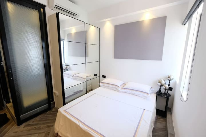 A - Luxe Modern Cozy Studio @ City