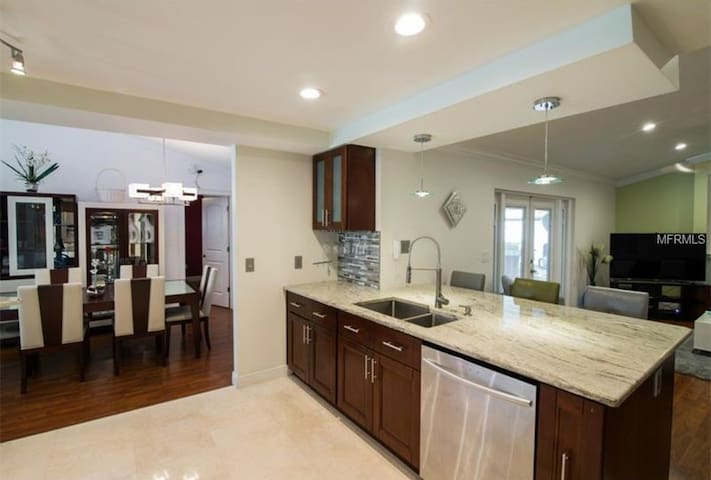 SIMPLY STUNNING! COUNTRYWAY HOME