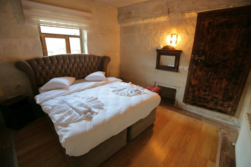 Room 6  Double Bed + 2 Single Bed + Sofa
