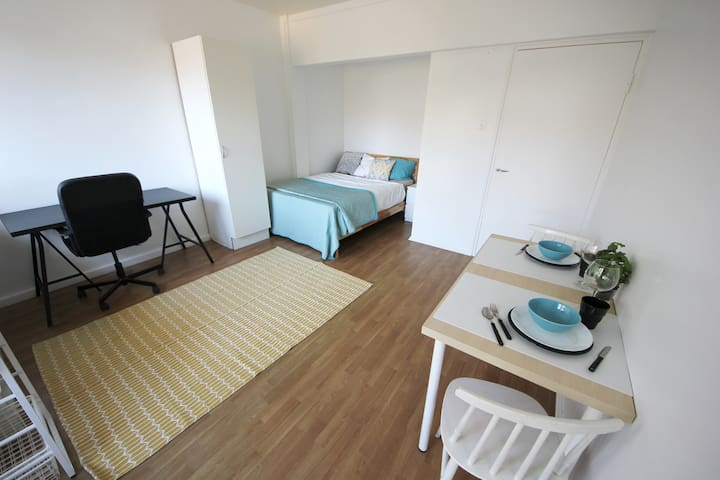 Cozy Studio between Airport and City Center
