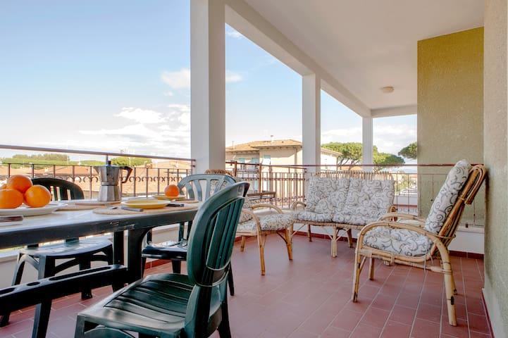 Casina del Mare - appt near the sea with parking