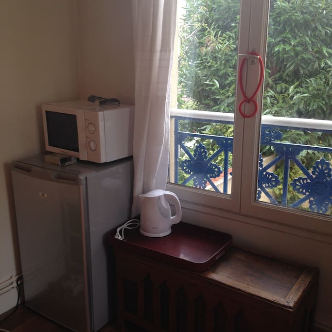 chambre dans une maison familiale maisons louer paris. Black Bedroom Furniture Sets. Home Design Ideas
