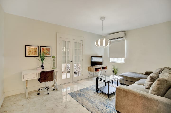 Miami Design District Modern 2BR #102