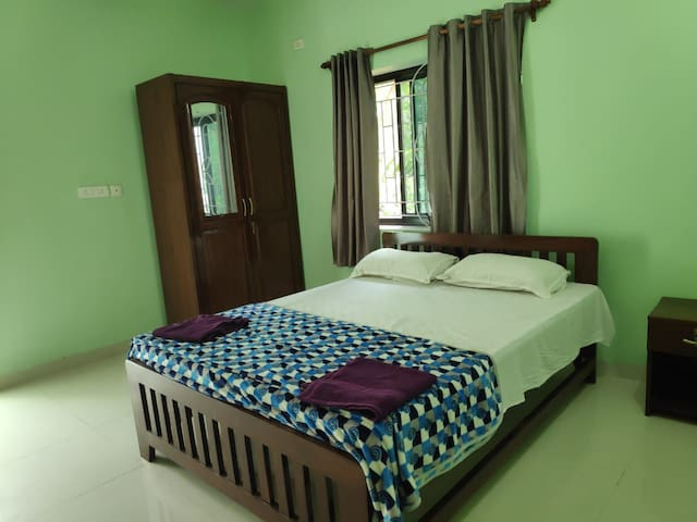Comfortable BNB 15 mtrs from Ashwem beach