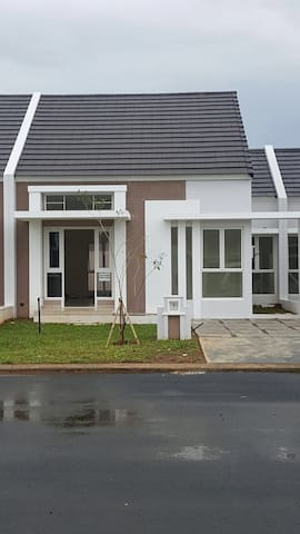 BRAND NEW HOUSE+CHEAP!Rp100.000,-/DAY