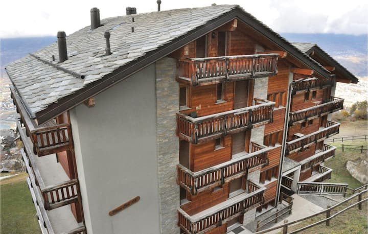 Holiday apartment with 2 bedrooms on 81m² in Veysonnaz