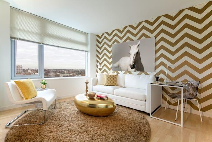 1 Bedroom with Cambridge Views, walk to MIT/Harvard!