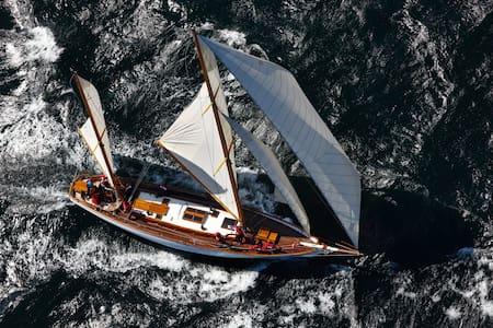 Classic sailing yacht - 基爾