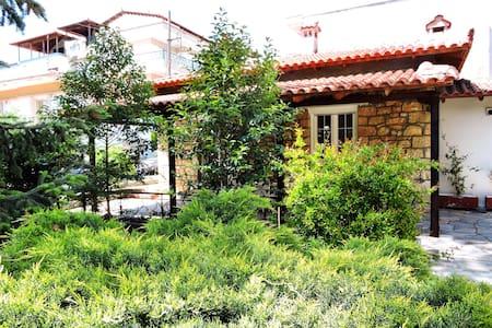 Antica casa di pietra - Ωραιόκαστρο