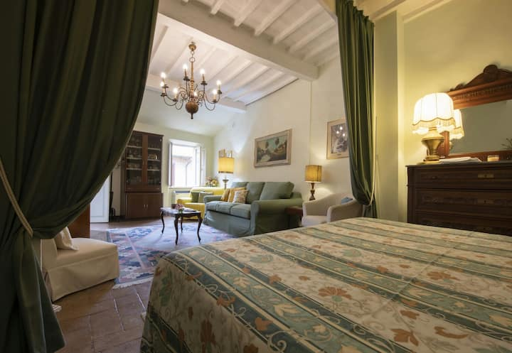 Loft with view in the heart of Montalcino
