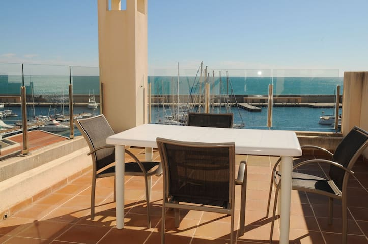 Spacious Duplex Overlooking The Harbour Residencial Marina Del Port 31