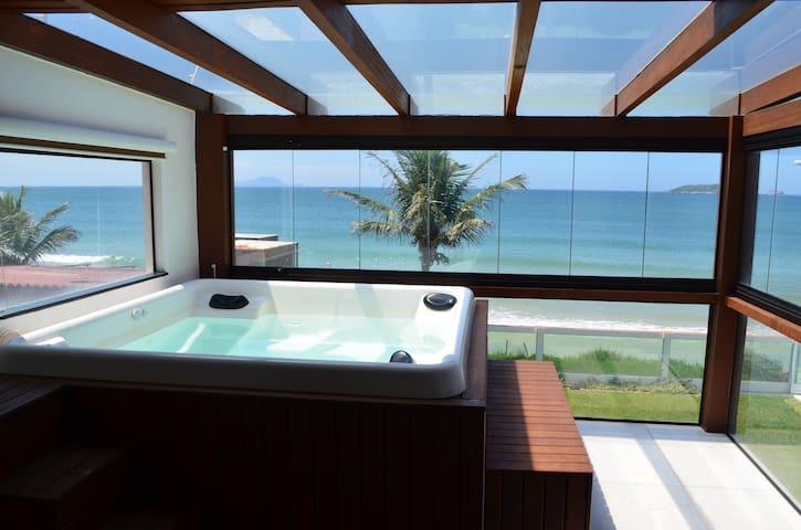Exquisite 4 bedroom beach house - Florianópolis - House