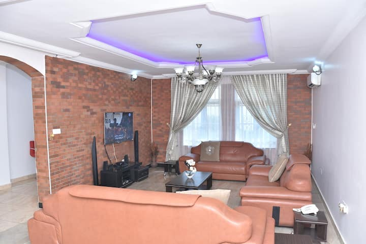 Sheilamartins Apartment. A 4bedroom Ensuite duplex