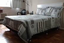 Cama de casal suite 1