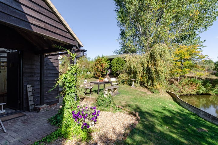 Rustic Holiday Home in Goudhurst Kent with Parking