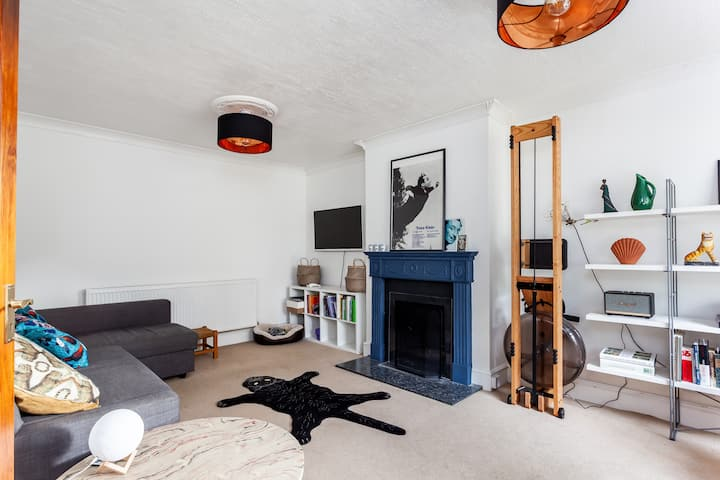 Family home with parking & garden - South East LDN