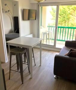 Appartement à 150m de la plage avec Balcon